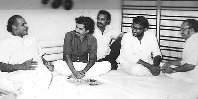 Yesudasan with VKN, Satyan Anthikkadu, Ramchandra and John Paul